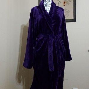 Serre' Plush Robe